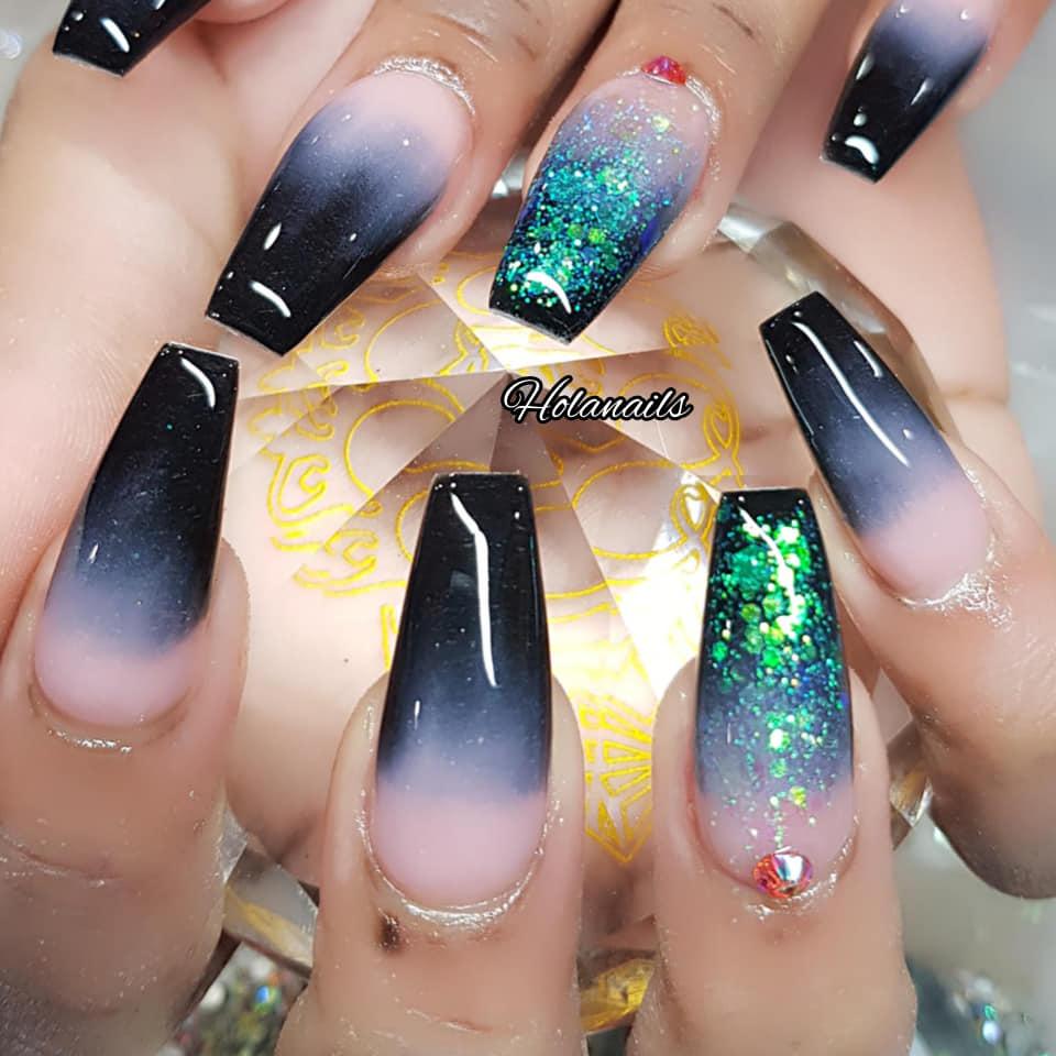 Hola nails